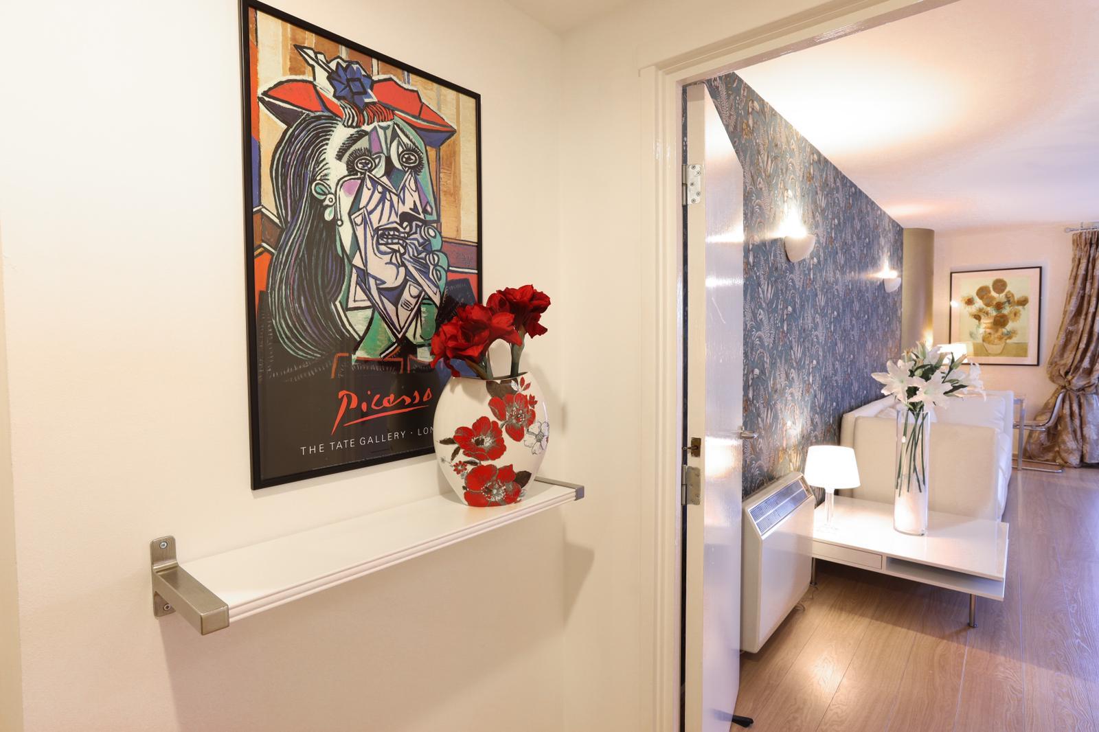 Shelf at 116 Point West Apartments, South Kensington, London