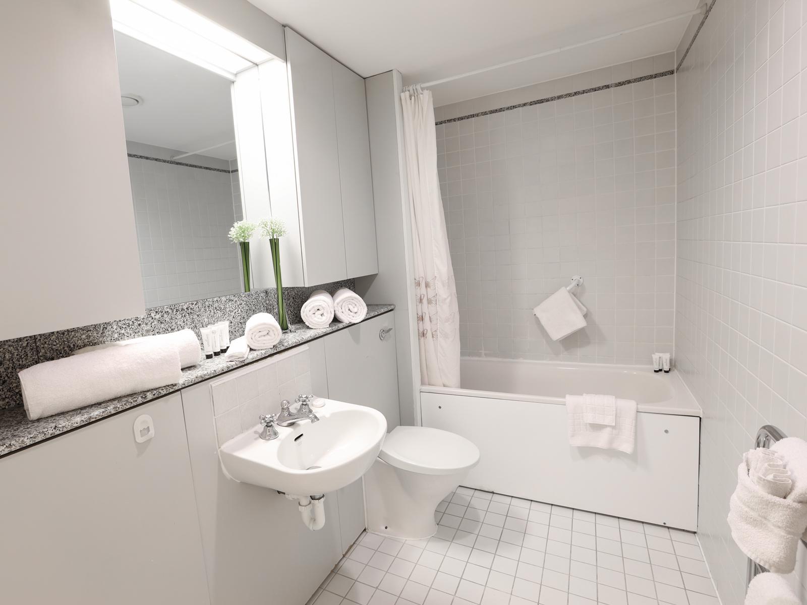 Toilet at 116 Point West Apartments, South Kensington, London