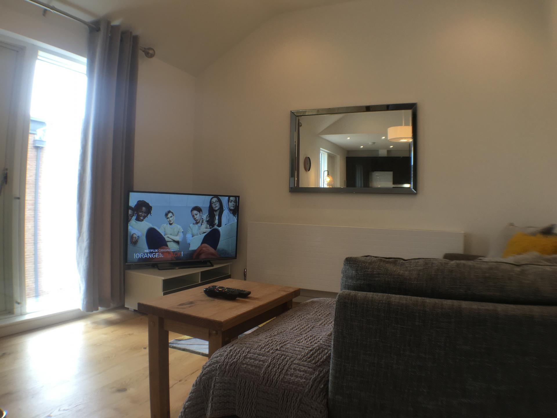 TV at Sweet Briar Mews Apartment, Centre, St Albans