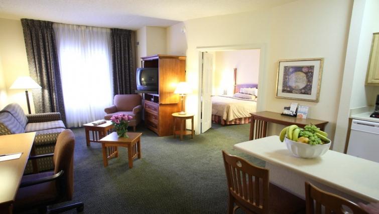 Spacious living area in Staybridge Suites Oakbrook Terrace
