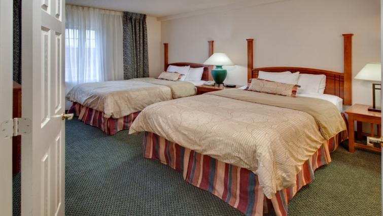 Cosy bedroom in Staybridge Suites Oakbrook Terrace