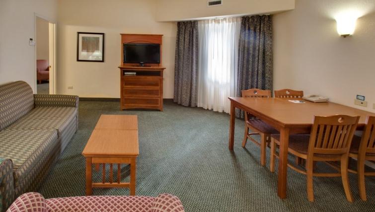 Sweet dining area in Staybridge Suites Oakbrook Terrace