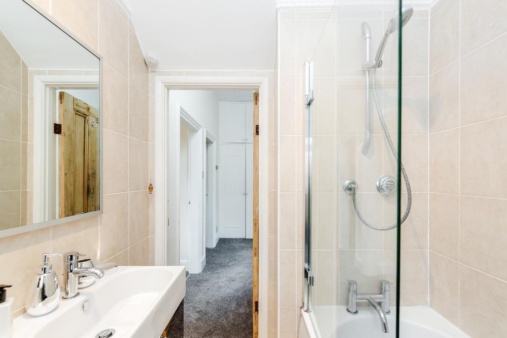 Bathroom at Chesham Court Apartment, Centre, Guildford