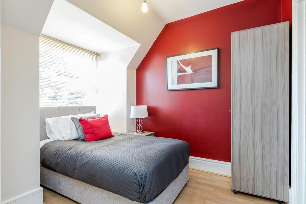 Single bed at Albury Road Apartment, Centre, Guildford