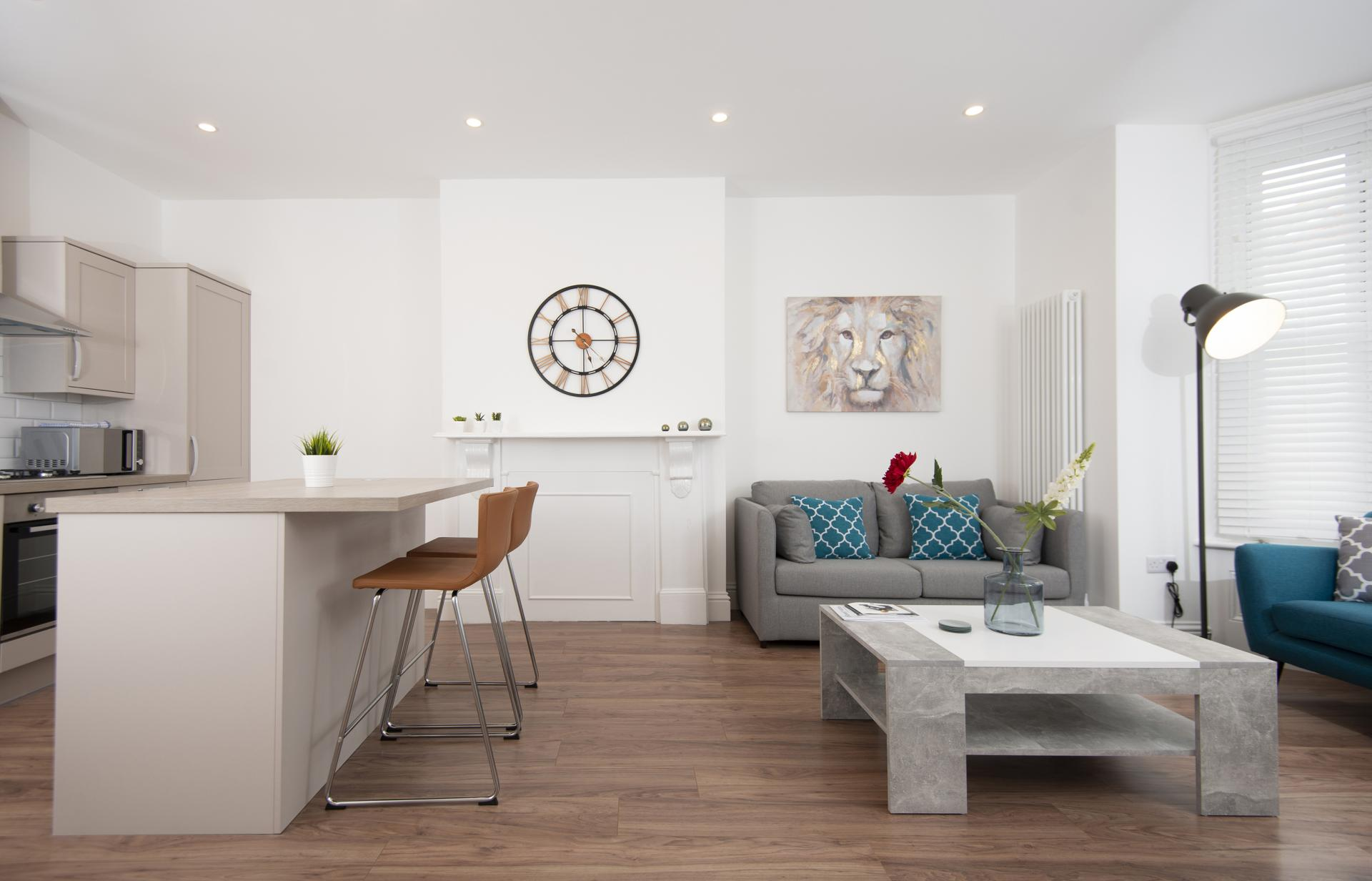 Open-plan lounge at Hereford House Apartments, Southsea, Portsmouth
