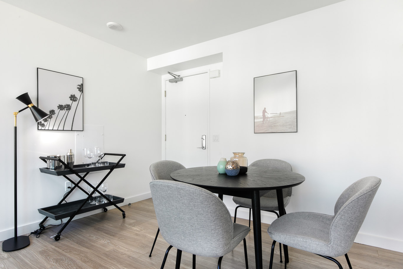 Dining area at 33 Tehama Apartments, Rincon Hill, San Francisco