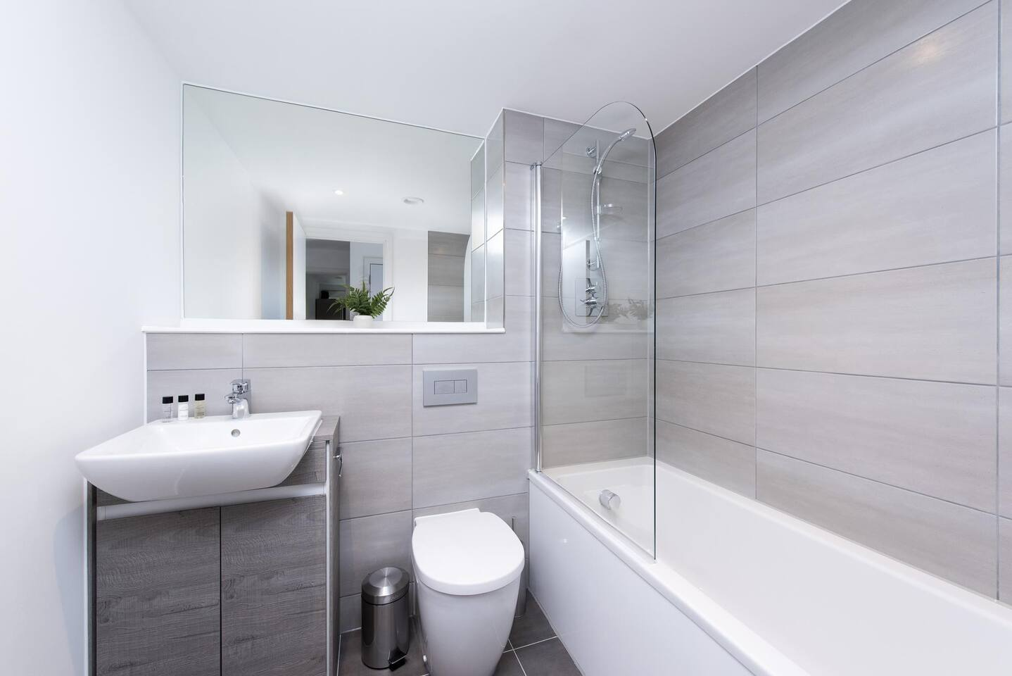 Shower at The Lansdowne Apartments, Ladywood, Birmingham