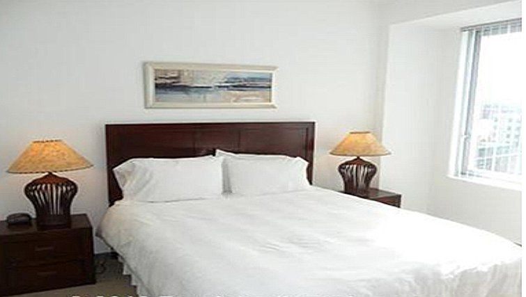 Comfortable bedroom in Watermark Cambridge Apartments