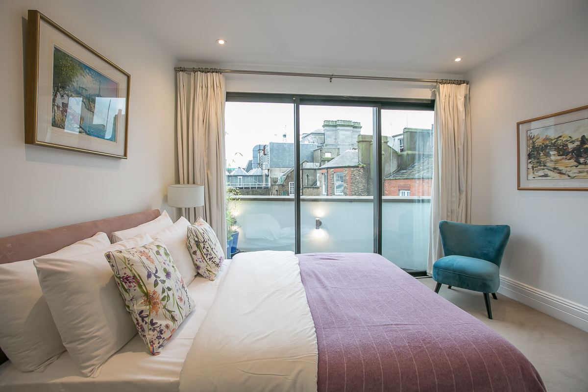 Bed at Trinity Gardens Apartment, Centre, Dublin
