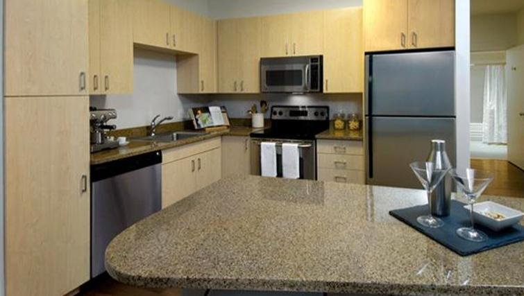 Spacious kitchen in Archstone Boston Common Apartments