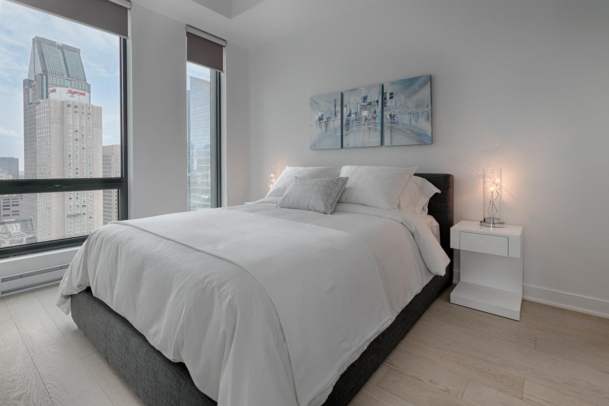 Bedroom at Tour des Canadiens Apartments, Centre, Montreal