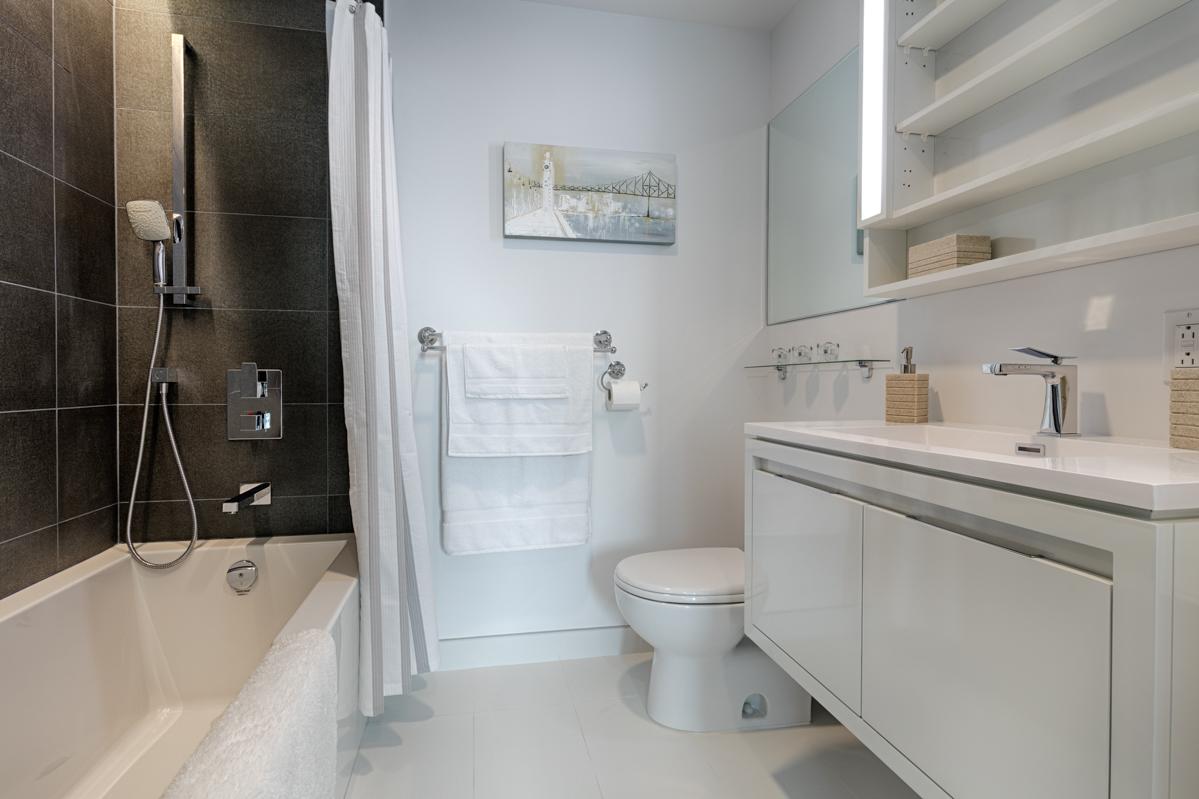 Bath at Tour des Canadiens Apartments, Centre, Montreal