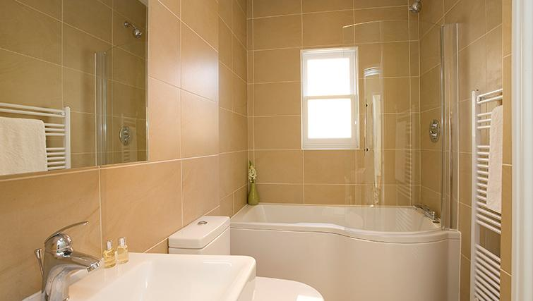 Contemporary bathroom in SACO Reading - Castle Crescent