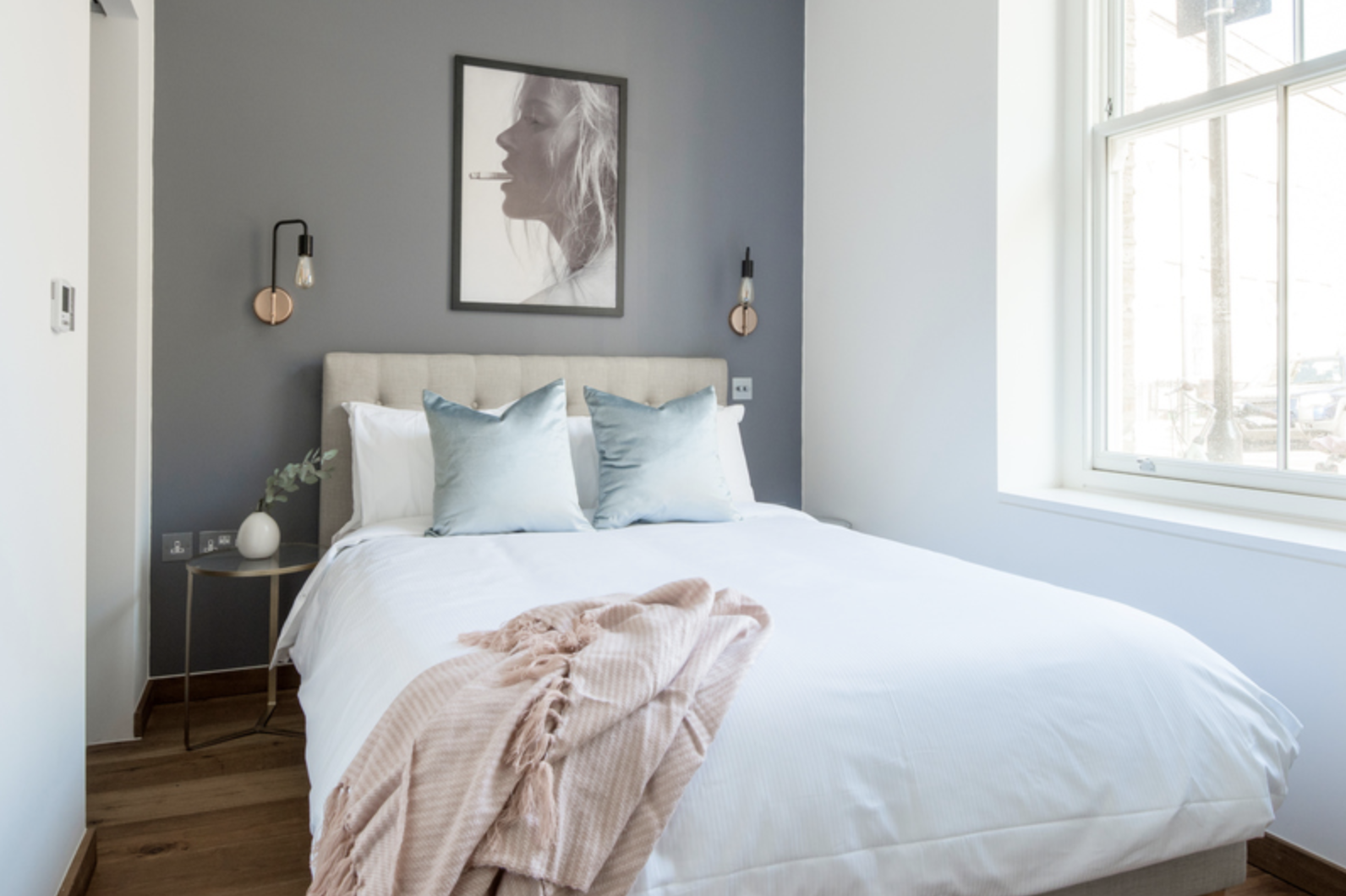 Large bed at Drum Court Apartments, Barnsbury, London