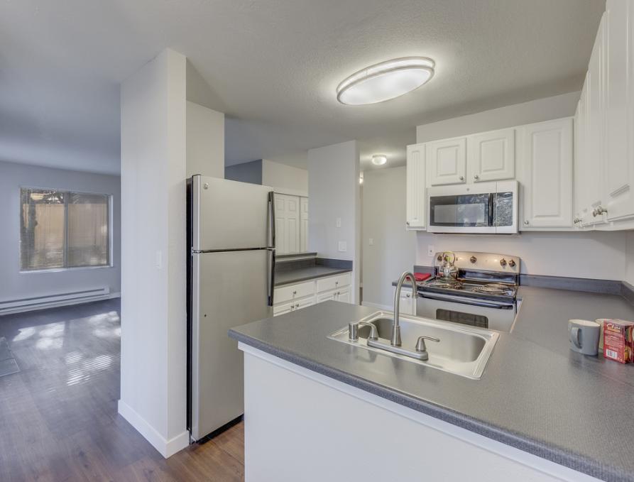 Kitchen at Nickel Creek Apartment, Jenks, Tulsa