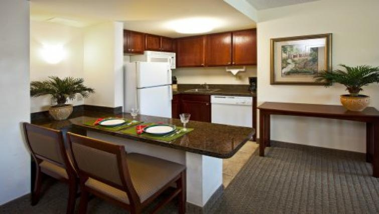 Tidy kitchen in Staybridge Suites Tampa East Brandon