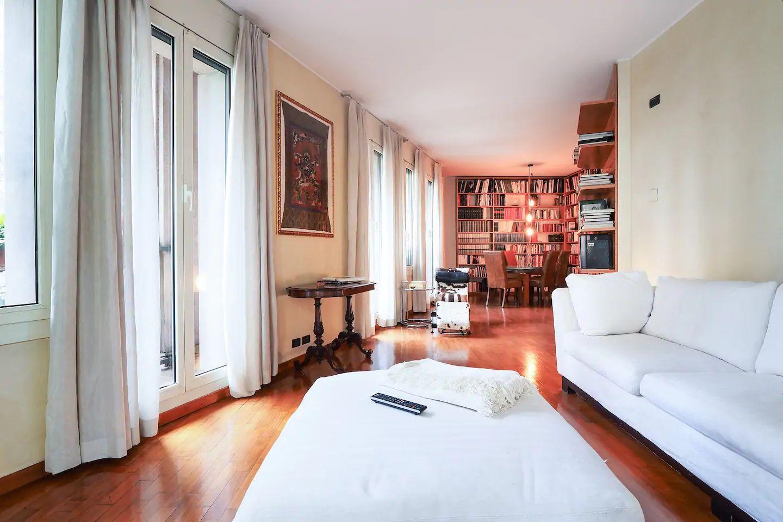 Dining area at The Scholar Apartment, Porta Nuova, Milan