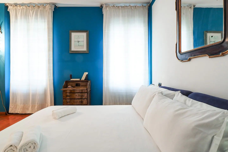 Bed at The Scholar Apartment, Porta Nuova, Milan