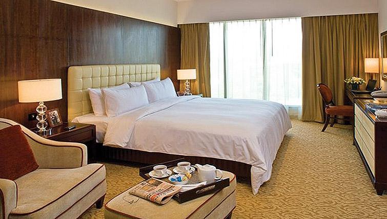 Striking bedroom in Oakwood Premier Prestige Bangalore
