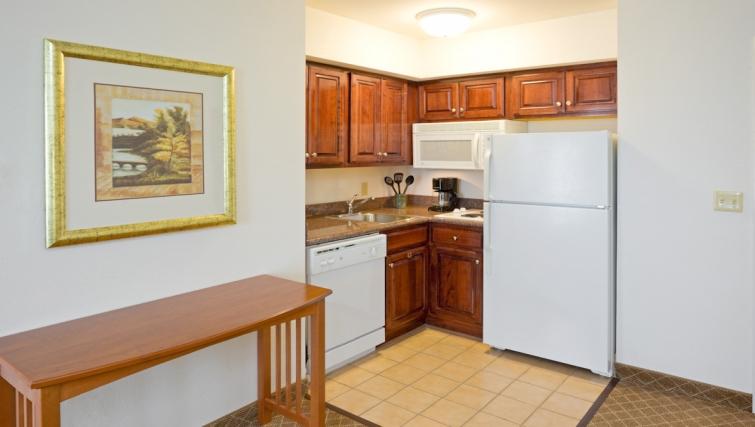 Compact kitchen in Staybridge Suites Philadelphia Mt Laurel