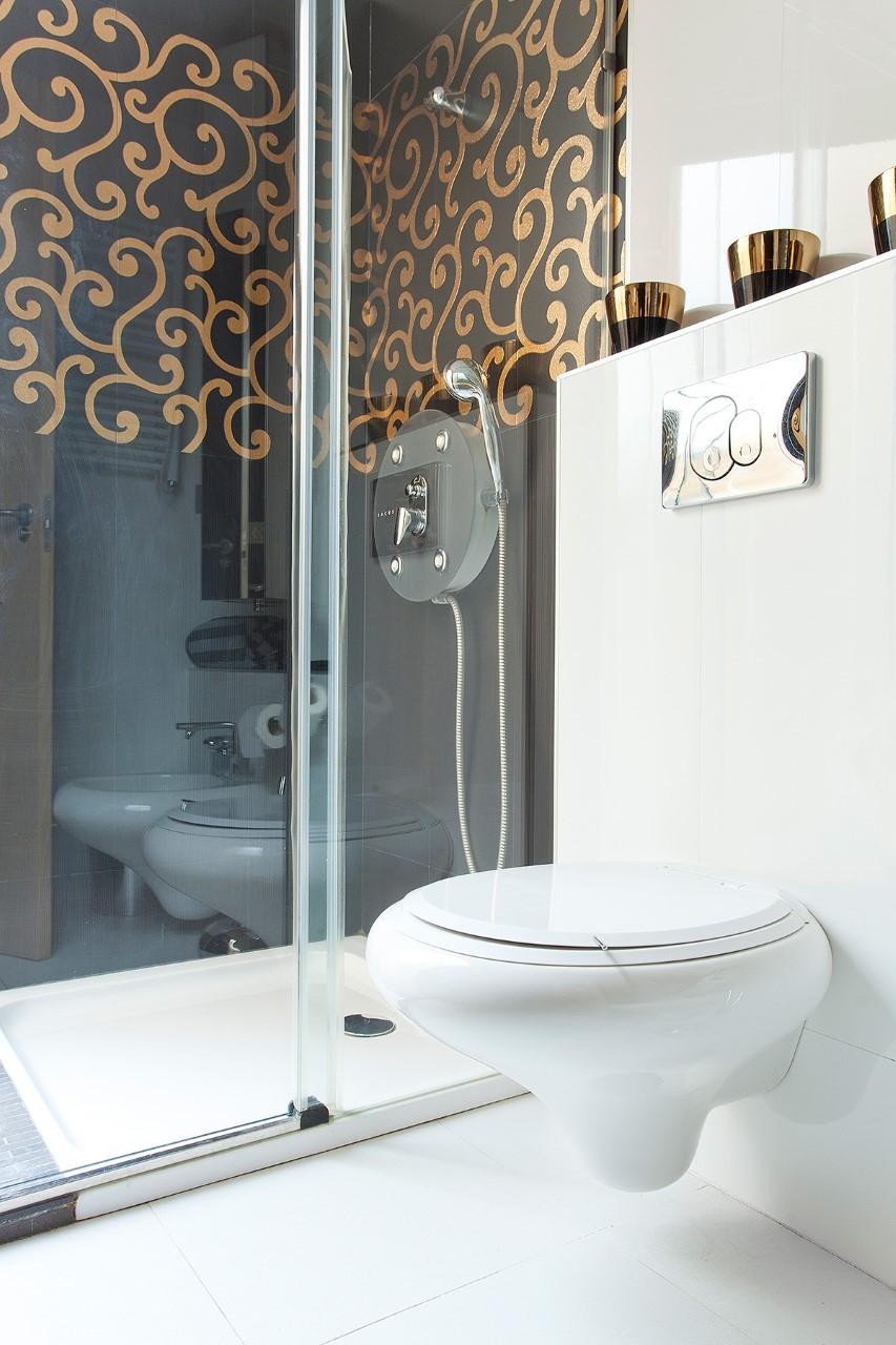 Bathroom at Belmonte Apartment, San Bernardo, Seville