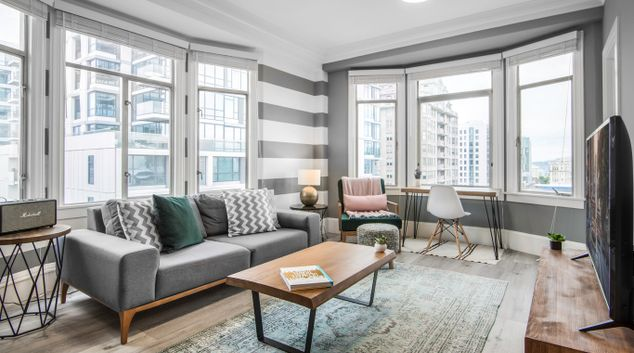 Living area at 1801 California Street Apartments, Polk Gulch, San Francisco