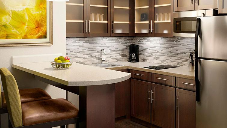 Tidy kitchen in Staybridge Suites Toronto Markham