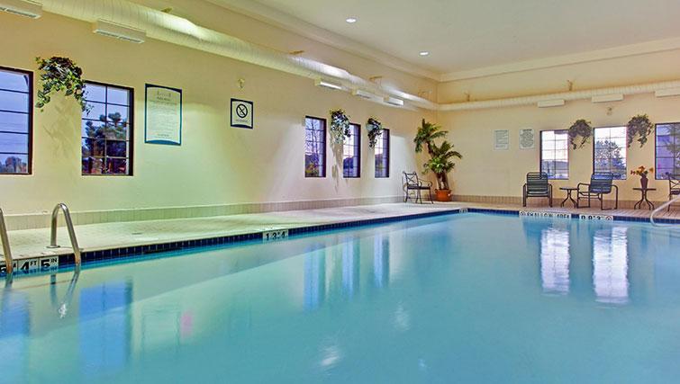 Pool in Staybridge Suites Toronto Markham