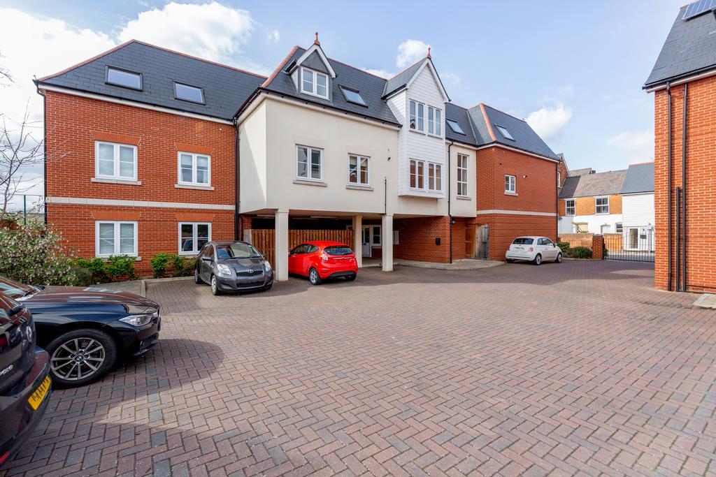 Parking at Woodbridge Road Apartment, Centre, Guildford