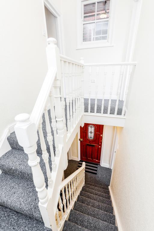 Gardner Road House, Centre, Guildford