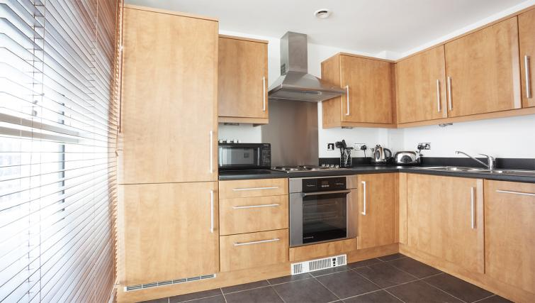 Equipped kitchen at City Stay Apartments Hub