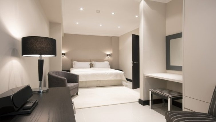 Sophisticated bedroom in Brunel Crescent Apartments