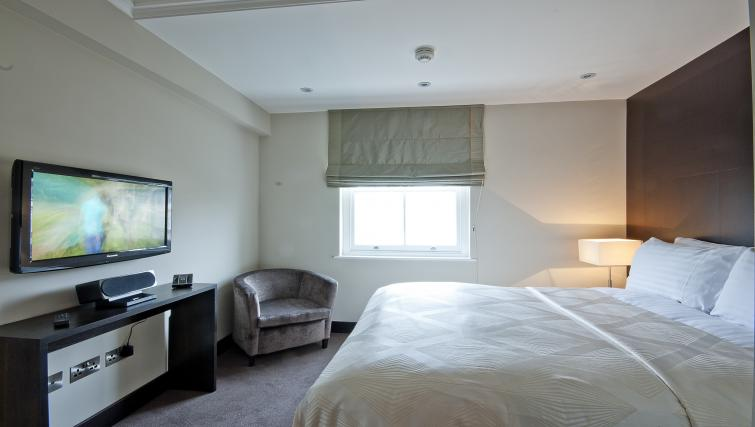 Double bedroom at 130 Queens Gate Apartments