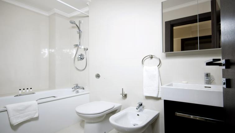 WC at 130 Queens Gate Apartments