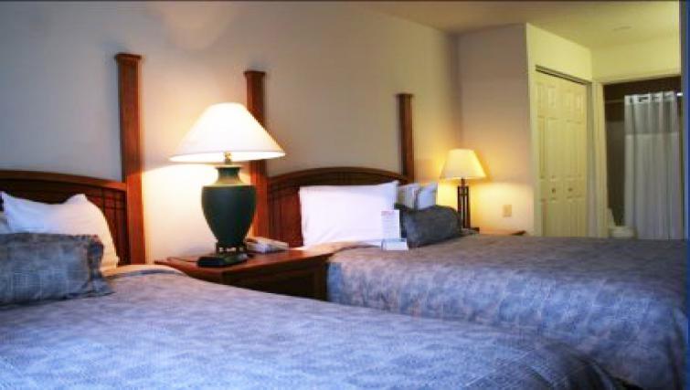 Lovely bedroom in Staybridge Suites Fort Lauderdale/Plantation
