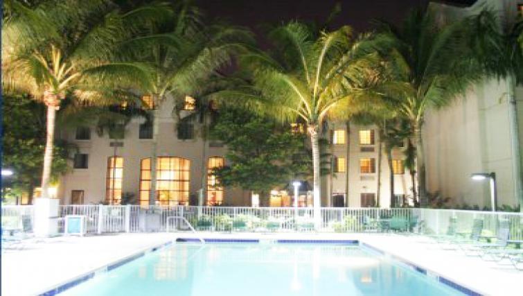 Attractive pool in Staybridge Suites Fort Lauderdale/Plantation