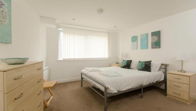 Fresh bedroom in Marsh House Apartments