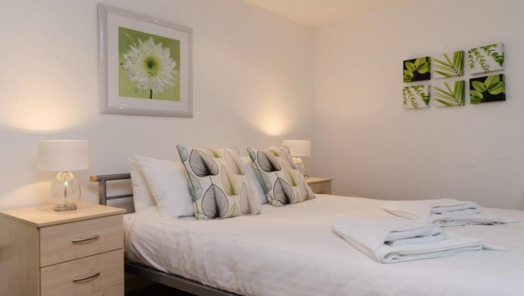 Stunning bedroom in Marsh House Apartments