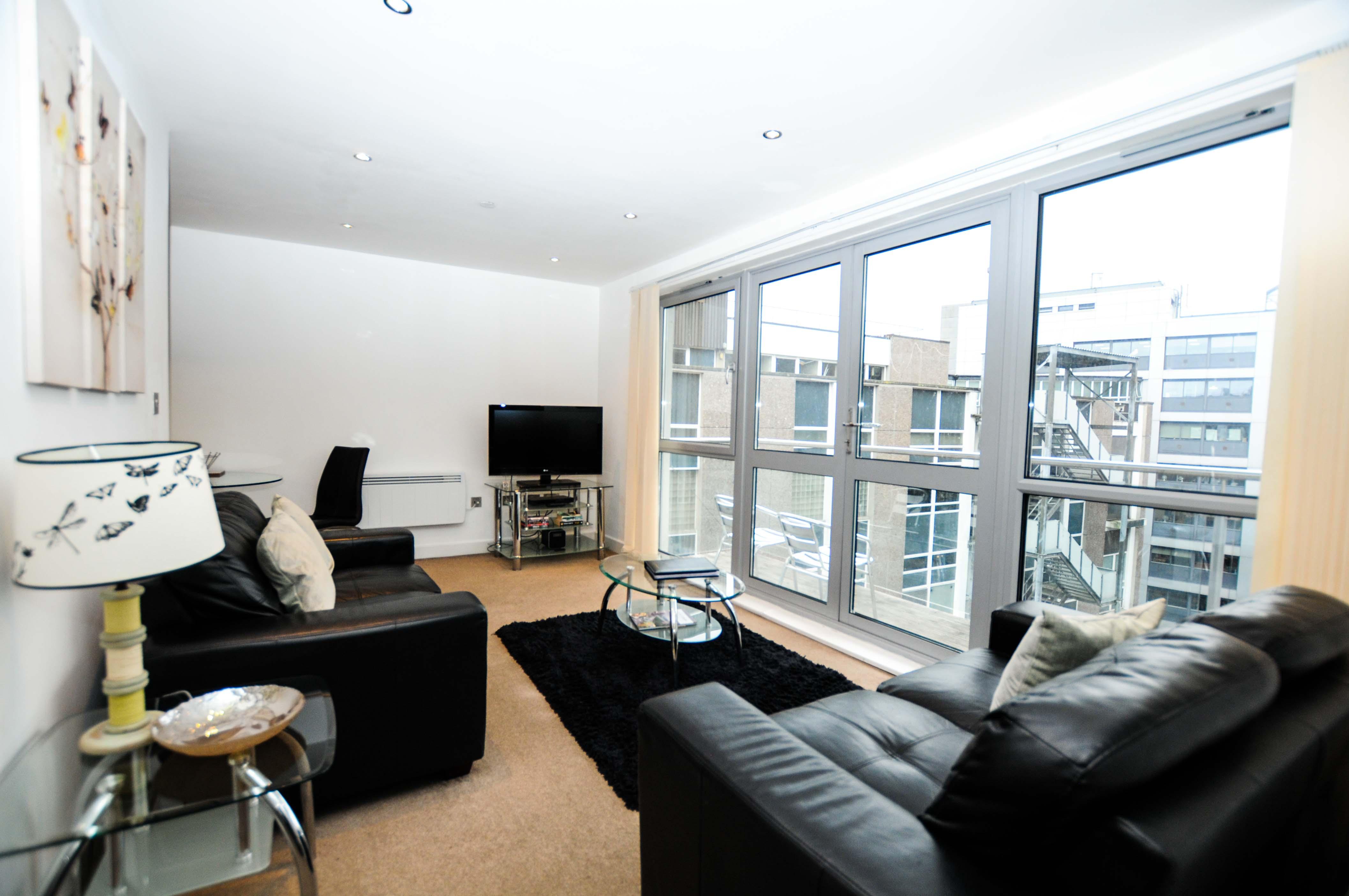 Marsh House Serviced Apartments - Bristol - SilverDoor