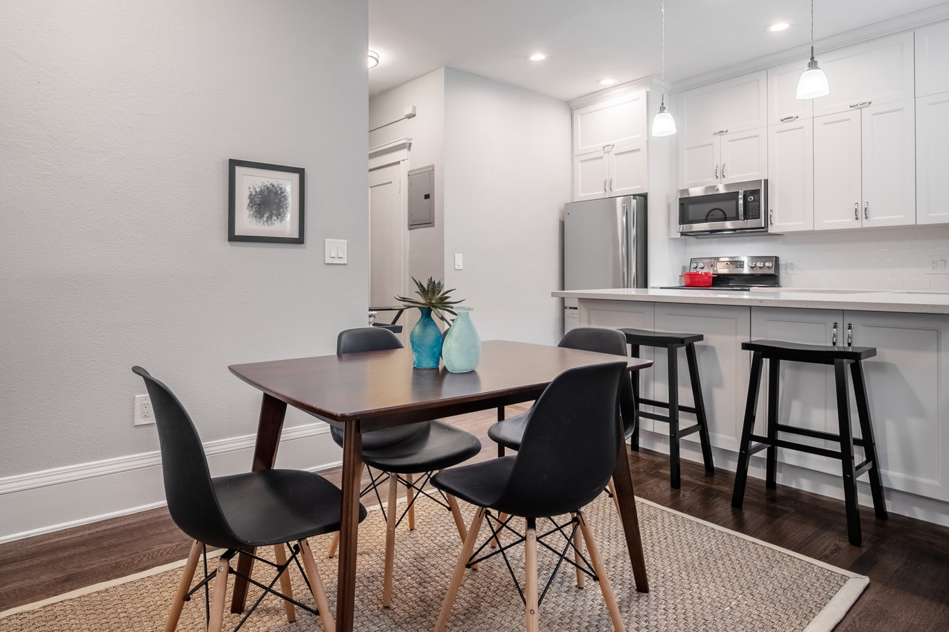 Dining Room at 952 Sutter Apartments