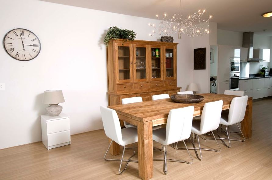Large dining table at World Fashion Apartments - Amsterdam