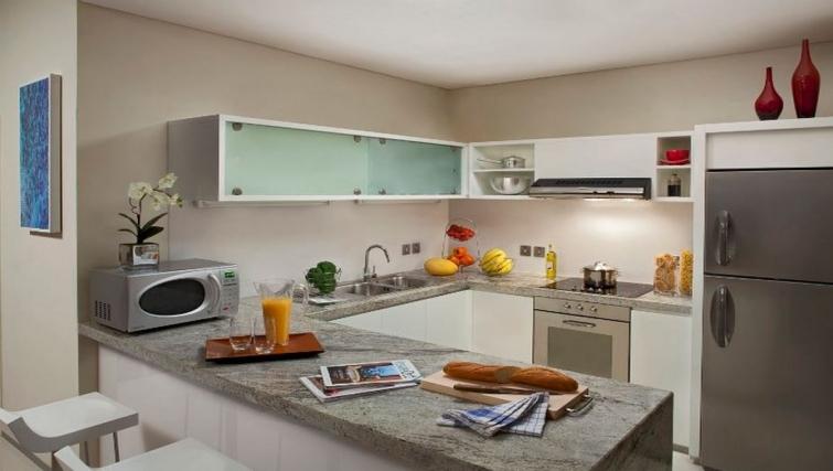 Amazing kitchen iin Ascott Park Place Apartments