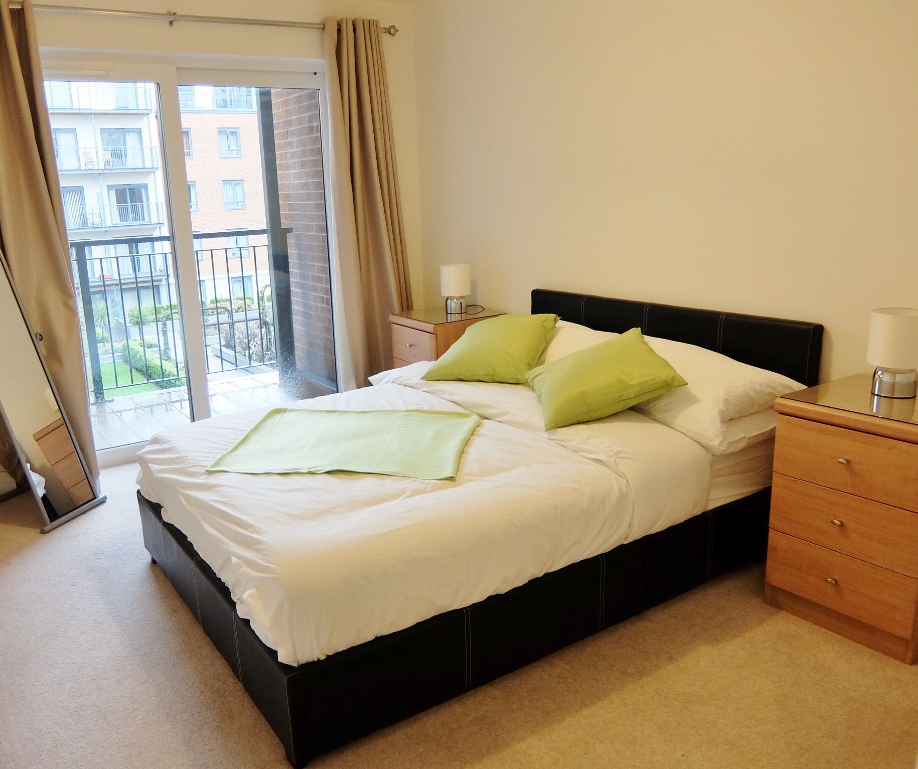 Colindale Serviced Apartments, London, SilverDoor Apartments