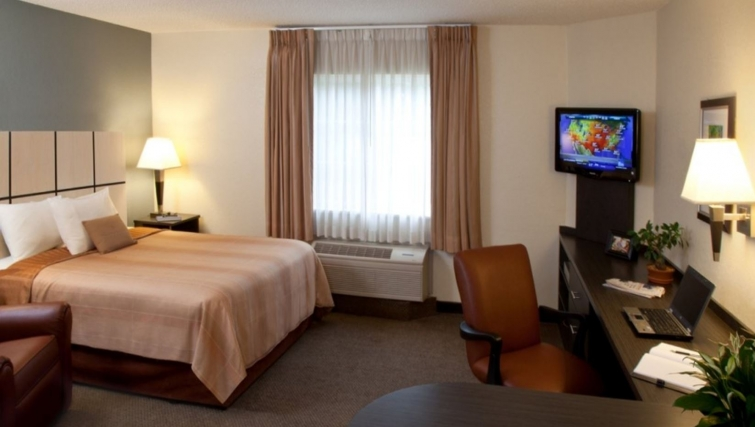 Charming living room in Candlewood Suites Silicon Valley/San Jose