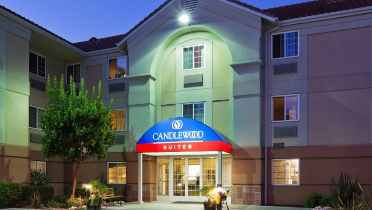 Exterior of Candlewood Suites Silicon Valley/San Jose