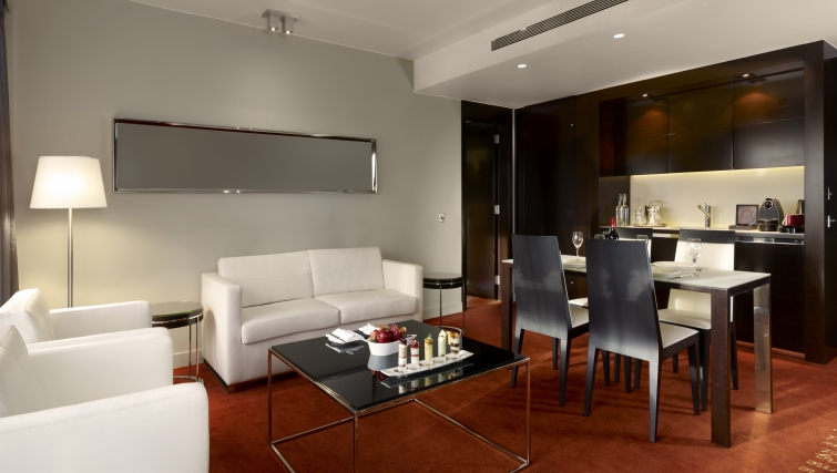 Stunning living area in Park Plaza Westminster Bridge Apartments