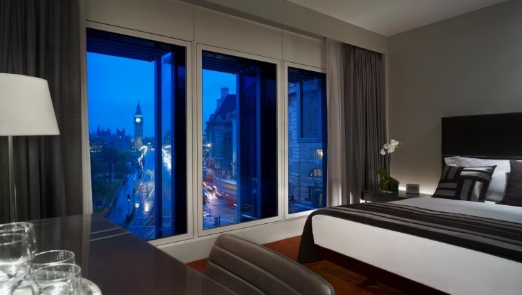 Stylish bedroom in Park Plaza Westminster Bridge Apartments
