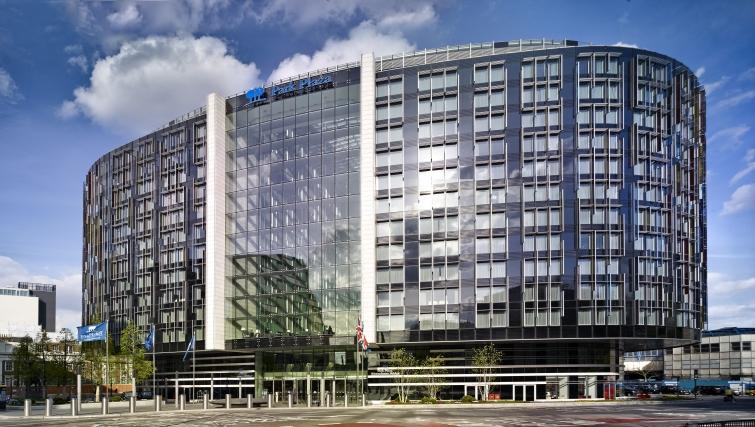 Exterior of Park Plaza Westminster Bridge Apartments