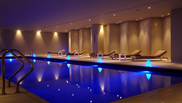 Divine pool in Park Plaza Westminster Bridge Apartments