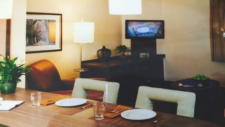 Bright living area in Candlewood Suites Houston by the Galleria